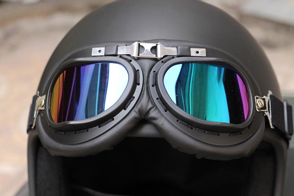 Mũ bảo hiểm 1/2 đầu có kính phi công có thiết kế độc đáo, bắt mắt