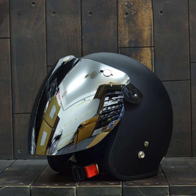 Mũ bảo hiểm có kính chống nắng kết hợp với chống tia UV