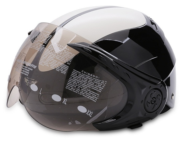 Mũ bảo hiểm có kính che mặt với màu sắc đẹp mắt do Blue Sea sản xuất